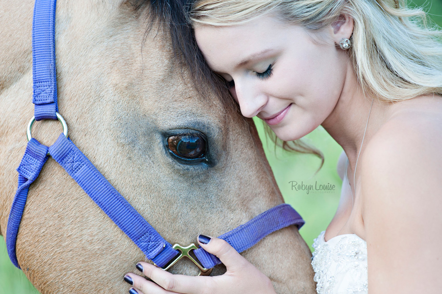 Quesnel Equine Photographer Robyn Louise Photography specialized in capturing the connection between horse and rider in her Beauty and Beloved sessions.