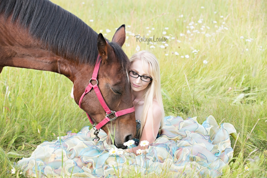 megan-and-horses-robyn-louise-photography0009