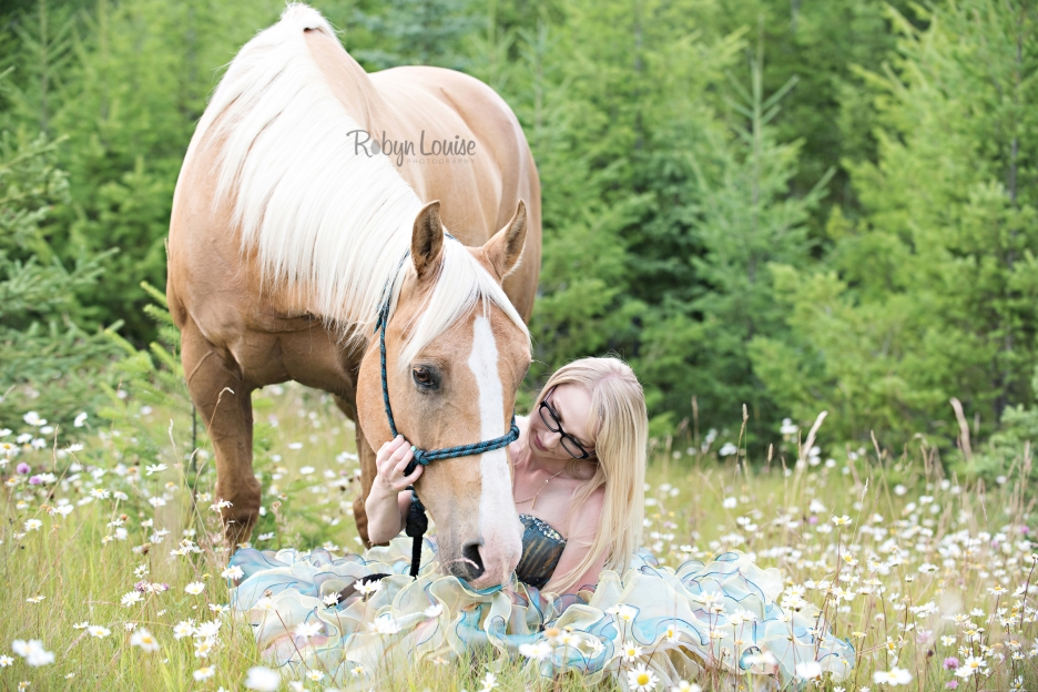 megan-and-horses-robyn-louise-photography0017